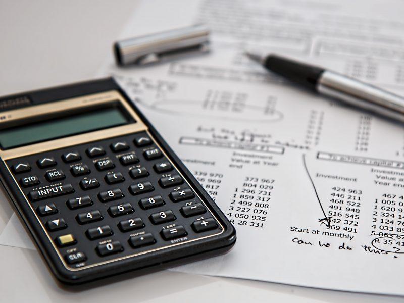 L'externalisation des paies et des obligations sociales afin que vous puissiez vous consacrer en priorité sur la croissance et la compétitivité de votre entreprise.